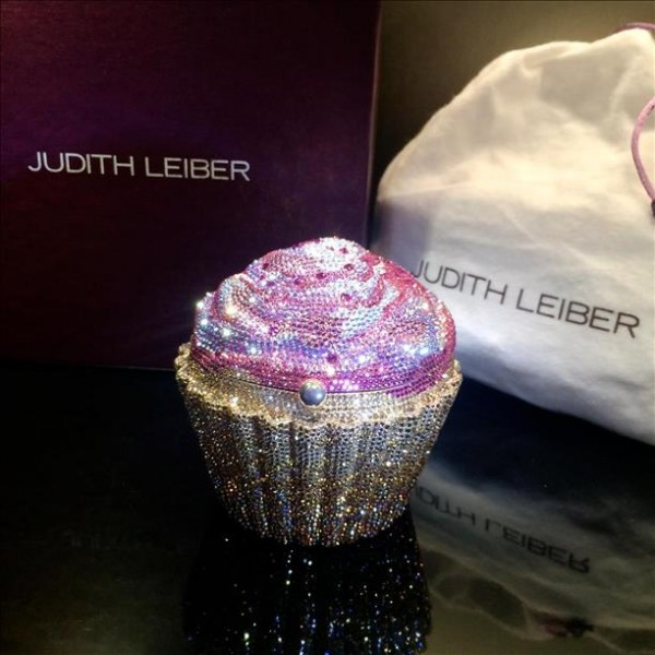 Strawberry Judith Leiber Cupcake Clutch CxtsdBQrh
