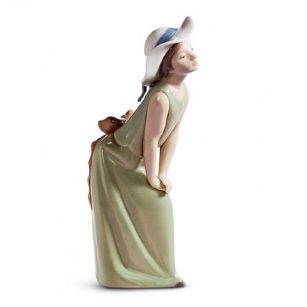 Lladro - Curious Girl With Straw Hat