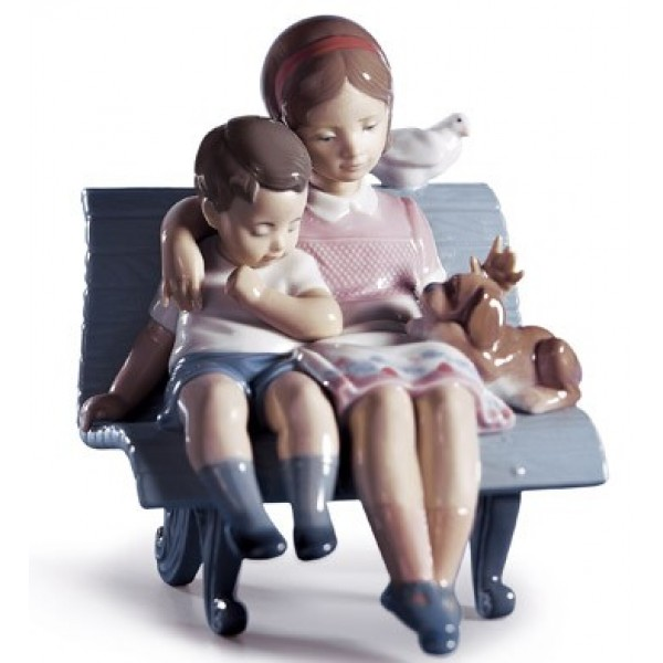 Lladro - Surrounded By Love