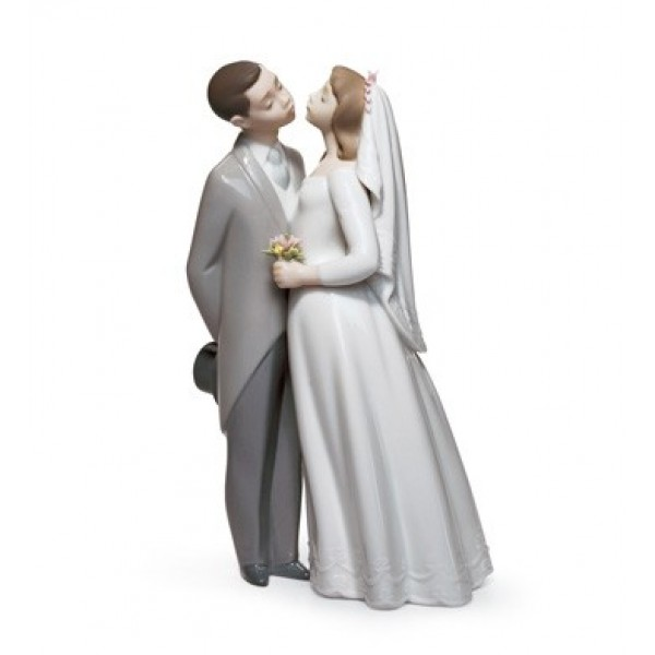 Lladro - A Kiss to Remember
