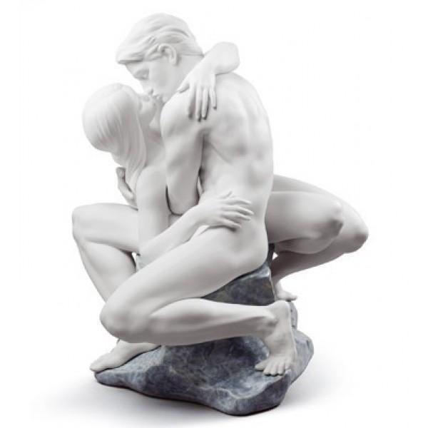 Lladro - Passionate Kiss (White)