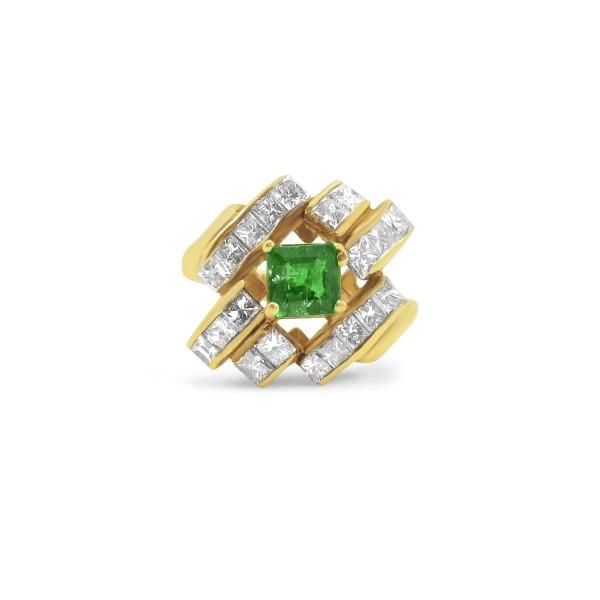 18k Gold Emerald Diamond Ring